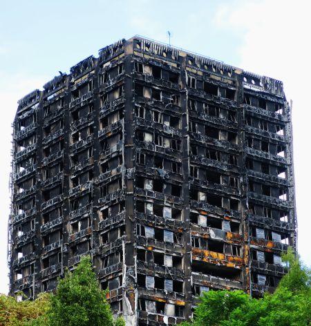 Ausgebrannter Grenfell Tower in London © Alex Donohue